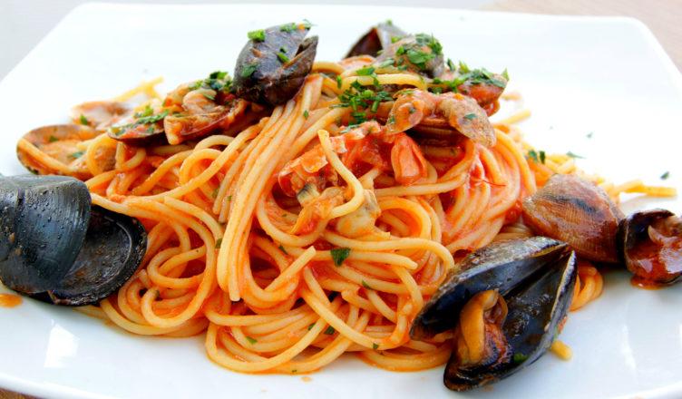 """Spaghetti del Pescatore. Navigando in cucina con il """"Capitano."""""""